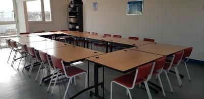 Des nouvelles chaises à Jean Monnet